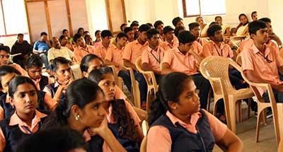 Nuove attività Chris Cappell College India 2015/2016