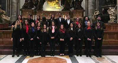 La Corale del Liceo Chris Cappell College in San Pietro